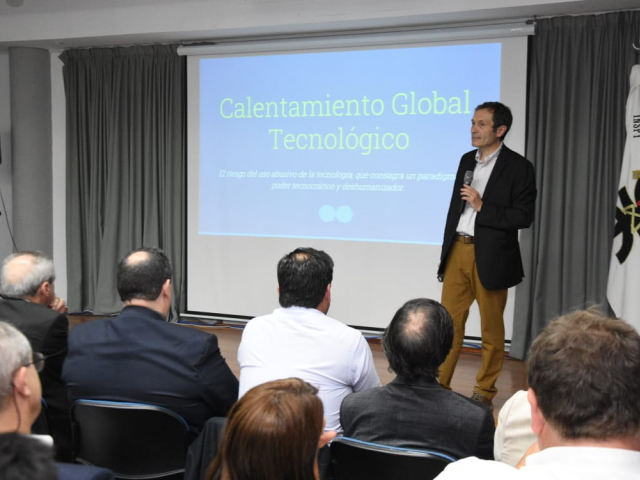 """Dr. Gustavo Béliz, disertó acerca de la """"Dignidad y futuro del trabajo frente al cambio tecnológico Exponencial"""""""